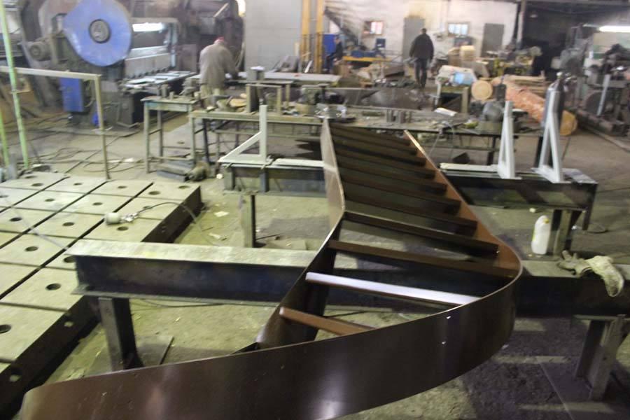 Изготовление металлических лестниц